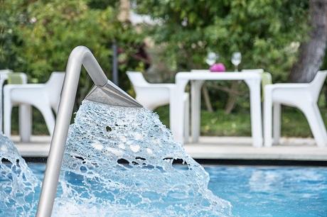 lame piscina esterna