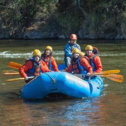 rafting-team-building